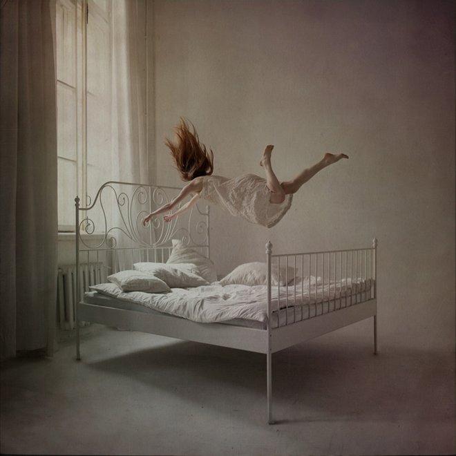 ANKA ZHURAVLEVA, distorted gravity